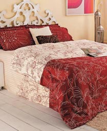 Portico New York Red Eldora King Bedsheet with 2 Pillow Cover 9062722