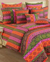 Swayam Multi Red Shades Of Paradise Winter Quilts WCS011424